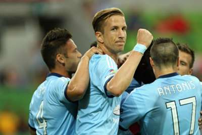 A-League Review: Sydney keep pressure on at top
