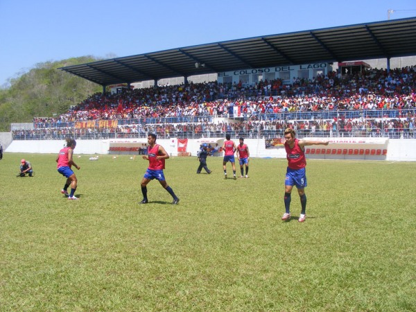 Estadio Julin Tesucn, San Jos, Departamento de Petn