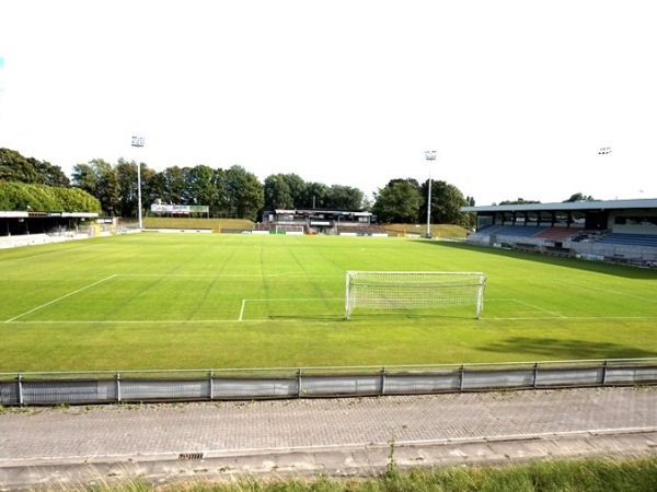 Burgermeester Van De Wiele Stadion, Deinze