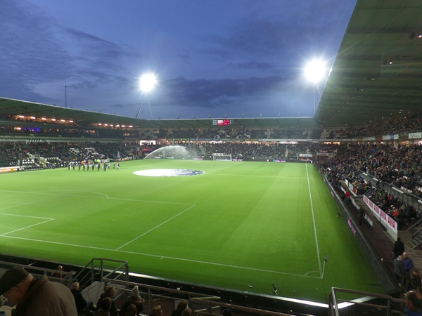 Polman Stadion, Almelo
